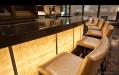Барная стойка для ресторана из оникса с подсветкой