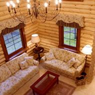 Комната отдыха в деревянном доме