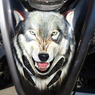 Аэрография на мотоцикле: Человек-человеку волк!