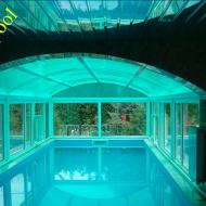 Павильон для бассейна с пластиковыми окнами и дверьми