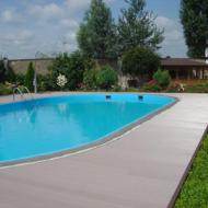 Террасная доска из ДПК (декинг): применение вокруг бассейнов
