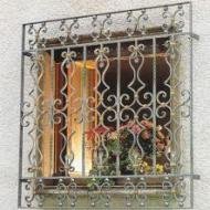 Красивые кованые решетки на окна 15000 тг/м2