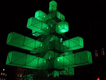 Необычные новогодние елки. Дизайн. Конструкция. Материал.
