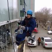 Альпинисты промышленные чистка крыш