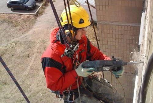 Средство индивидуальной защиты для промышленных альпинистов