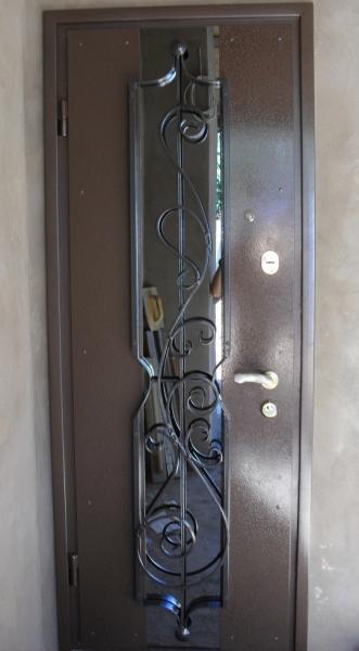 двери входные металлические 1100 на 2300